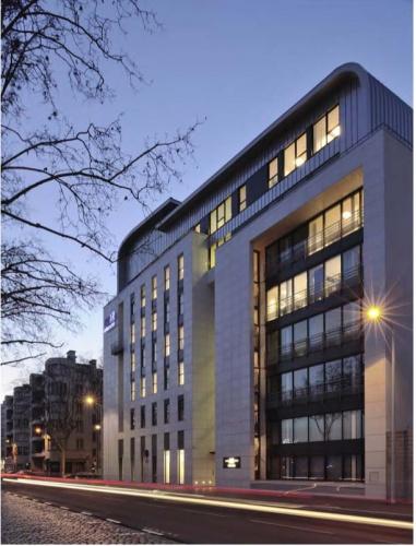 CRCI- Chambre Régionale de Commerce et d'Industrie  Rhône-Alpes-Aménagement du nouveau siège à la Confluence. : image_projet_mini_37889