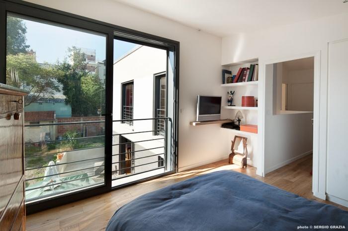 Maison contemporaine : IC R ECR 2011-09-28_0348 T