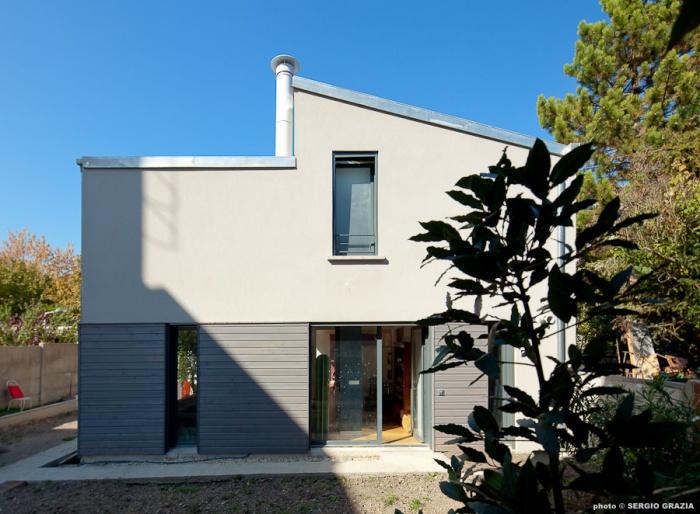 Maison contemporaine : IC R ECR 2011-09-28_0161