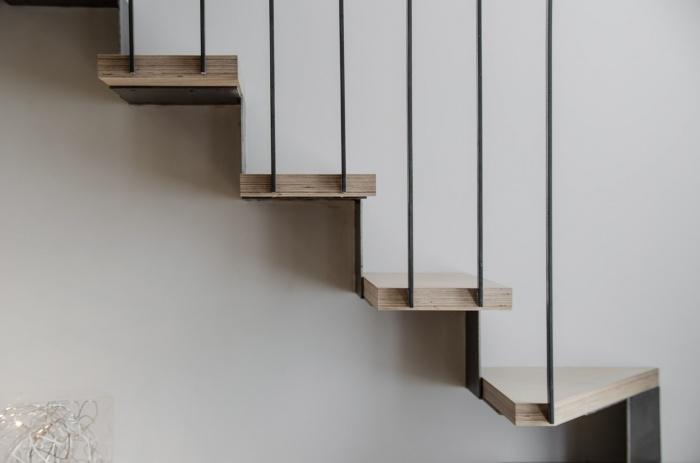 Appartement PE : L'escalier en bois et métal