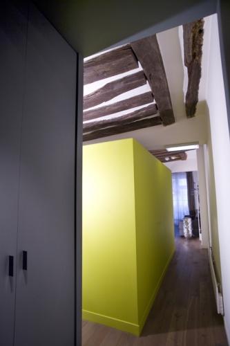 Poutres et avant-gardisme dans le Marais : Couloir