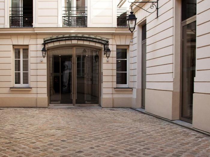 Equipement_siège social à Paris 8e : 07